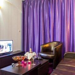 Best Western Art Plaza Hotel 3* Улучшенный номер с различными типами кроватей фото 10
