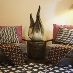 Отель Kudafushi Resort and Spa интерьер отеля
