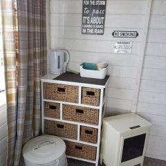 Отель The Little Hide - Grown Up Glamping Бунгало с различными типами кроватей фото 24