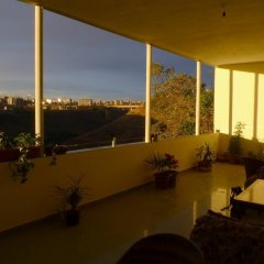 Balcony Villa Hostel балкон