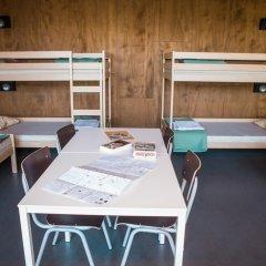 De Draecke Hostel Кровать в мужском общем номере с двухъярусной кроватью фото 3
