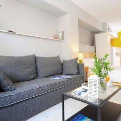 Апартаменты Live in Athens, short stay apartments комната для гостей фото 11