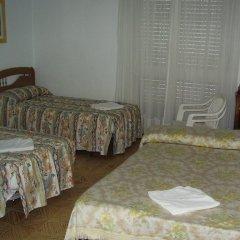 Отель Hostal Pineda Стандартный номер с различными типами кроватей фото 3