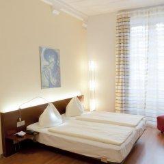 Отель Goldener Schlüssel 3* Стандартный номер с двуспальной кроватью