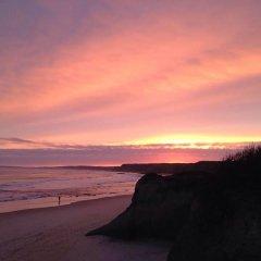 Alex Surf Hostel пляж фото 2