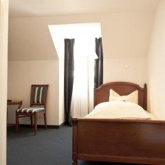 Hotel Blauer Bock 3* Номер Эконом разные типы кроватей (общая ванная комната) фото 2