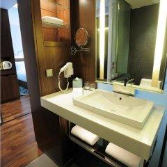 Отель Galleria 10 Sukhumvit Bangkok by Compass Hospitality 4* Номер Премьер с двуспальной кроватью фото 11