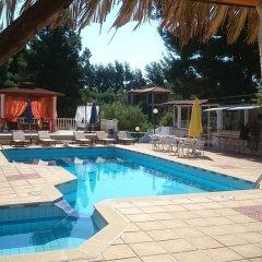 Отель Villa Askamnia Deluxe Греция, Метаморфоси - отзывы, цены и фото номеров - забронировать отель Villa Askamnia Deluxe онлайн бассейн фото 3