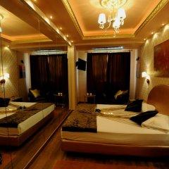 Carol Hotel 2* Люкс с разными типами кроватей