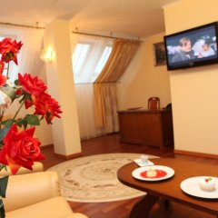 Олимп Отель 4* Люкс с различными типами кроватей фото 3