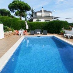 Отель Villa Nuri Испания, Бланес - отзывы, цены и фото номеров - забронировать отель Villa Nuri онлайн бассейн фото 3