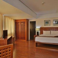 Crown Regency Hotel and Towers Cebu 4* Улучшенный номер с различными типами кроватей фото 2