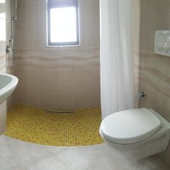 Отель Arberia Албания, Голем - отзывы, цены и фото номеров - забронировать отель Arberia онлайн ванная