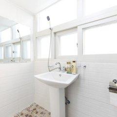 Отель Kory Guesthouse Южная Корея, Сеул - отзывы, цены и фото номеров - забронировать отель Kory Guesthouse онлайн ванная