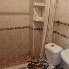 Гостиница Домик на Акациях в Сочи 5 отзывов об отеле, цены и фото номеров - забронировать гостиницу Домик на Акациях онлайн ванная фото 2