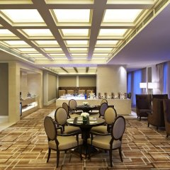 Отель Four Points by Sheraton Langfang, Guan развлечения