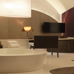 Отель The Roseate New Delhi ванная
