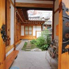 Отель Irang Hanok Guesthouse Южная Корея, Сеул - отзывы, цены и фото номеров - забронировать отель Irang Hanok Guesthouse онлайн спортивное сооружение