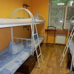 Гостиница Yourhostel Svyatoshino Кровать в общем номере с двухъярусной кроватью