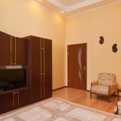 Апартаменты Business Kiev Center Apartments комната для гостей