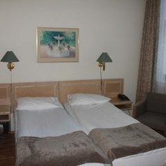 Отель Mitt Hotell сейф в номере