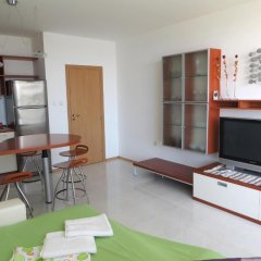 Апартаменты Holiday Apartment in Riviera Complex комната для гостей фото 3