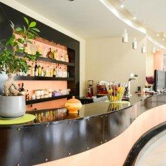 Hotel Oasis гостиничный бар