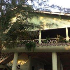 Отель Sea Eye Hotel - Laguna Building Гондурас, Остров Утила - отзывы, цены и фото номеров - забронировать отель Sea Eye Hotel - Laguna Building онлайн приотельная территория