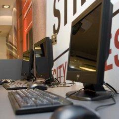 Отель YHA London Central Великобритания, Лондон - отзывы, цены и фото номеров - забронировать отель YHA London Central онлайн интерьер отеля фото 2