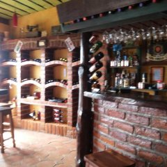 Отель Cabañas los Encinos Гондурас, Тегусигальпа - отзывы, цены и фото номеров - забронировать отель Cabañas los Encinos онлайн гостиничный бар