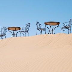 Отель Auberge De Charme Les Dunes D´Or Марокко, Мерзуга - отзывы, цены и фото номеров - забронировать отель Auberge De Charme Les Dunes D´Or онлайн спортивное сооружение