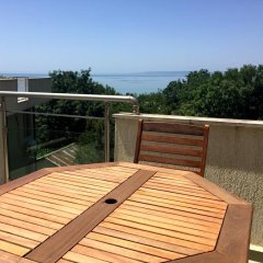 Апартаменты White Lagoon Beach Apartment балкон