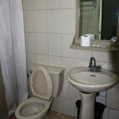Отель Boracay Breeze Hotel Филиппины, остров Боракай - отзывы, цены и фото номеров - забронировать отель Boracay Breeze Hotel онлайн ванная