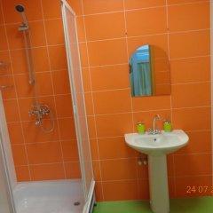 Гостиница Hostel №1 в Тюмени отзывы, цены и фото номеров - забронировать гостиницу Hostel №1 онлайн Тюмень ванная