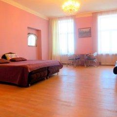 Апартаменты Apartments na Naberezhnoy Kutuzova комната для гостей фото 4