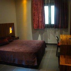 Отель California комната для гостей фото 10