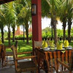 Thazin Garden Hotel питание