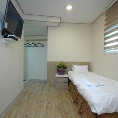 Dongdaemun Hwasin Hostel Стандартный семейный номер с двуспальной кроватью фото 4