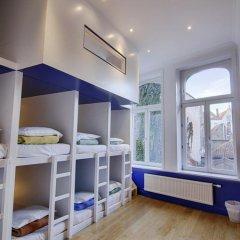 Hostel Lybeer Bruges Кровать в общем номере с двухъярусной кроватью фото 9