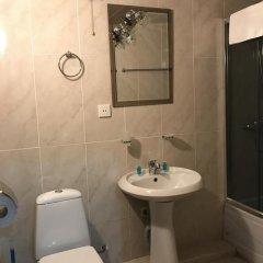 Отель B&B Old Tbilisi 3* Стандартный семейный номер с двуспальной кроватью фото 9