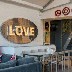 Отель Framery Loft by RedAwning гостиничный бар