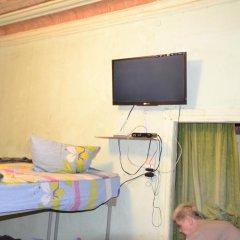 Hostel na Vokzalnom Кровать в мужском общем номере с двухъярусной кроватью