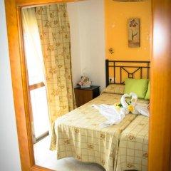 Отель Hostal Malia Испания, Кониль-де-ла-Фронтера - отзывы, цены и фото номеров - забронировать отель Hostal Malia онлайн комната для гостей фото 2