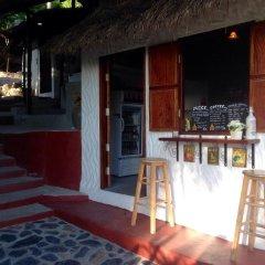 Отель The Earth House гостиничный бар