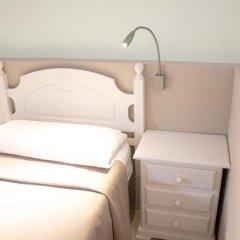 Отель Hostal El Arco Номер категории Эконом с различными типами кроватей фото 10
