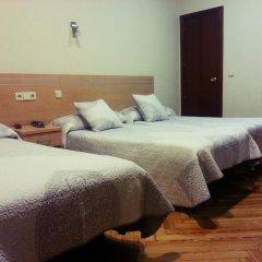 Отель Hostal Avenida Стандартный номер с 2 отдельными кроватями фото 4