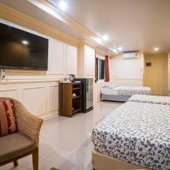 Отель Phuket Airport Suites & Lounge Bar - Club 96 Семейный люкс с двуспальной кроватью фото 7