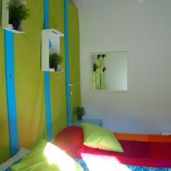 Отель Alfama 3B - Balby's Bed&Breakfast Стандартный номер с 2 отдельными кроватями (общая ванная комната) фото 3