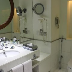 Отель Four Points by Sheraton Bur Dubai 4* Стандартный номер с различными типами кроватей фото 4