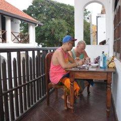 Отель Thenu Rest Guest House питание фото 2